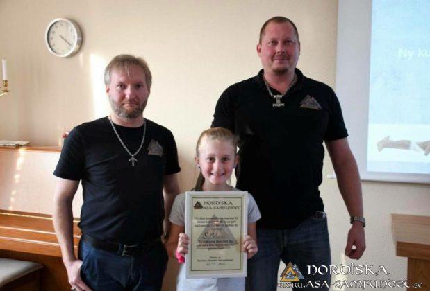 NAS delar ut stipendium Saga Vanecek